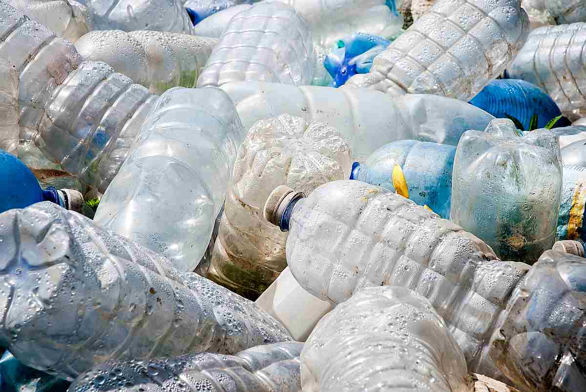 pollution caused by plastic garbage | Reasons to Love Tyent Water Ionizers, Part 9: Tyent Alkaline Water Is The Healthiest Water In The World. Dare To Compare!