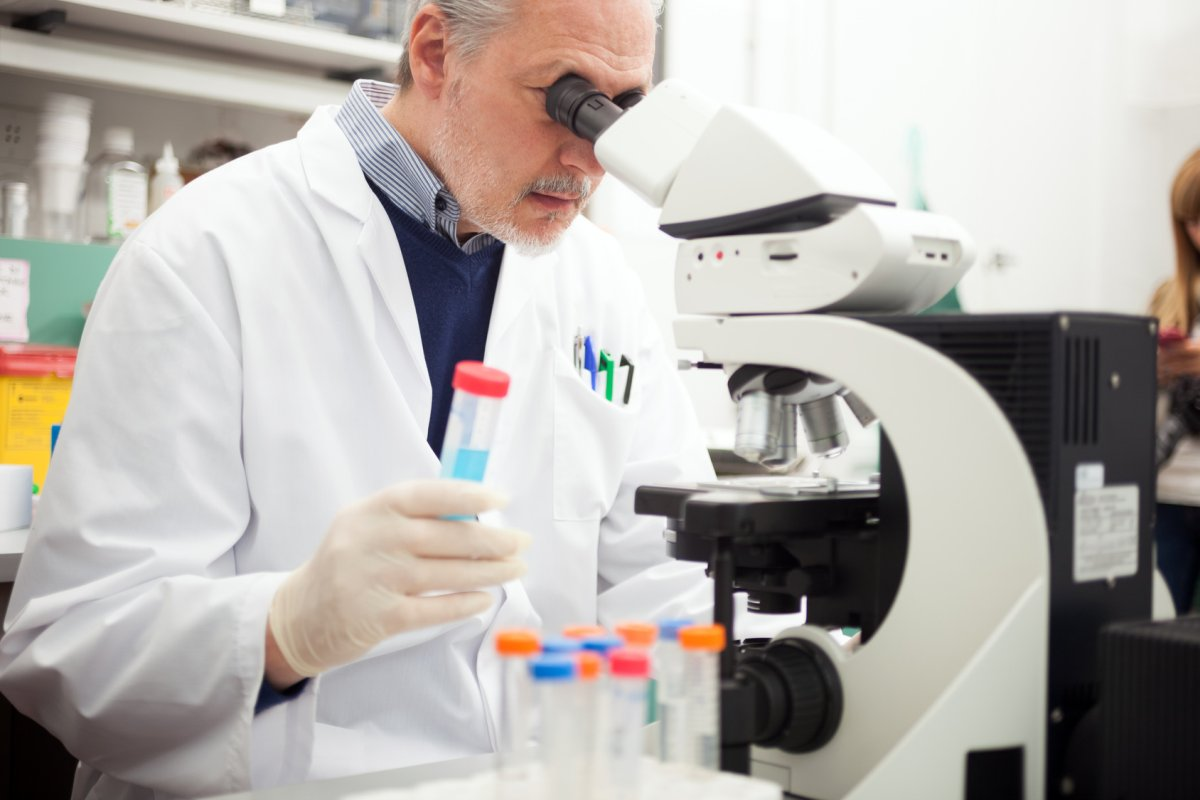 Scientist at work in a laboratory | Reasons to Love Tyent Water Ionizers, Part 8: Most Compelling Studies on Hydrogen-Rich Alkaline Water | hydrogen water