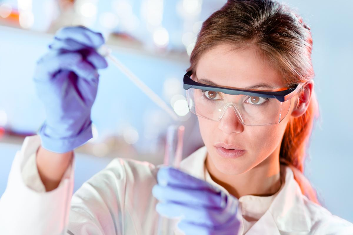 Young scientist pipetting in life science laboratory. | Reasons to Love Tyent Water Ionizers, Part 8: Most Compelling Studies on Hydrogen-Rich Alkaline Water | hydrogen water