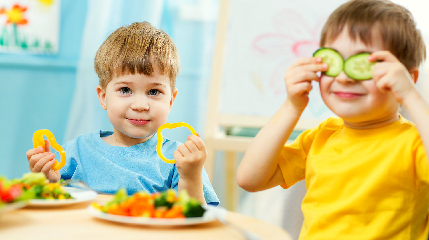 Feature | Kids eating healthy food in kindergarten | How To Trick Your Kids Into Eating Healthy