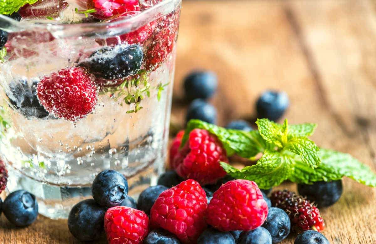 Raspberries and blueberries | How To Drink More Water | Ways To Stay Hydrated