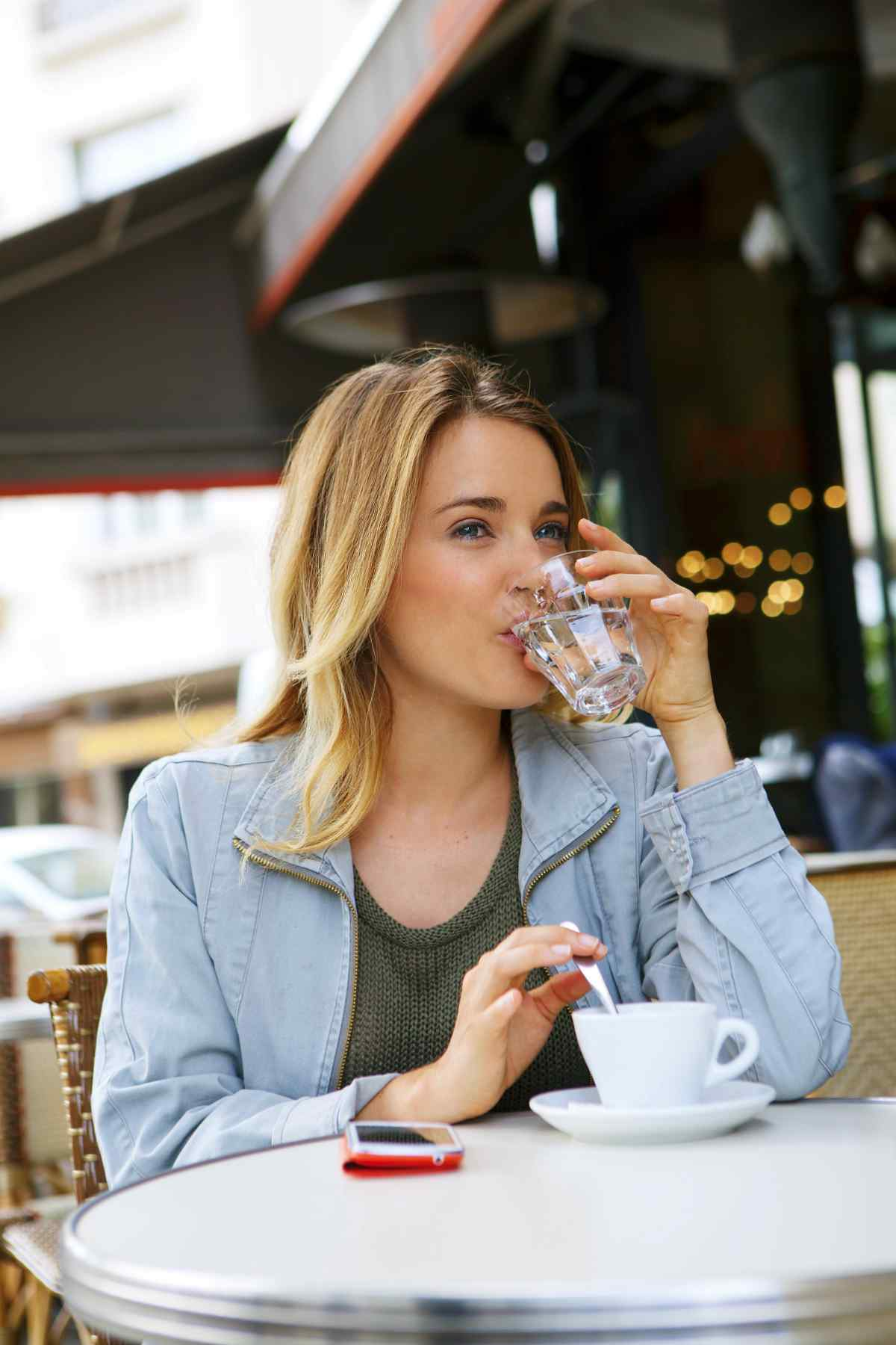 Coffee Shop, Outdoor Tables | Ways To Drink More Water This Year
