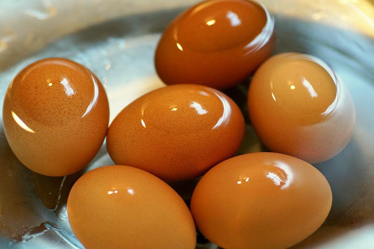Boiled egg soaked in water | Kitchen Hacks Using Alkaline Water