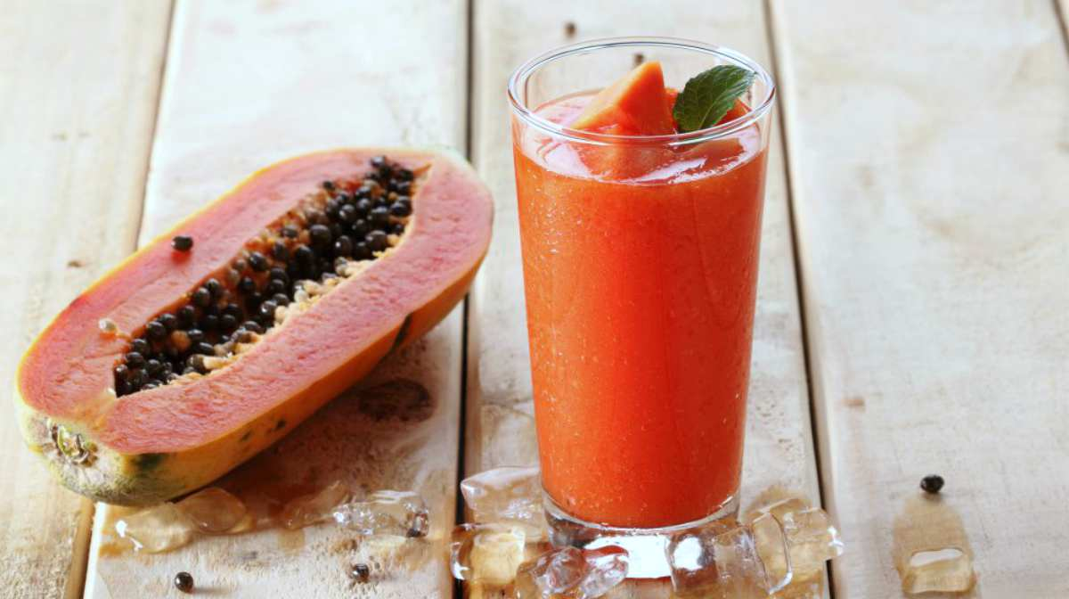 Papaya and juice on the table | Healthy Juice Recipes You Should Try