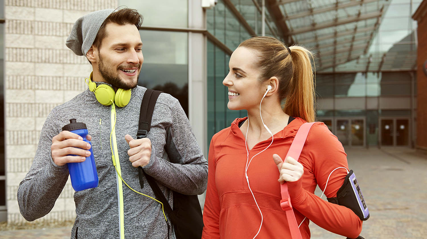 Feature | Fitness lifestyle young couple | Hacks to Stay Hydrated