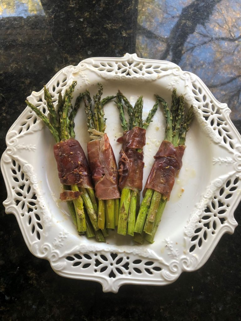 Prosciutto-Wrapped Roasted Asparagus Bundles